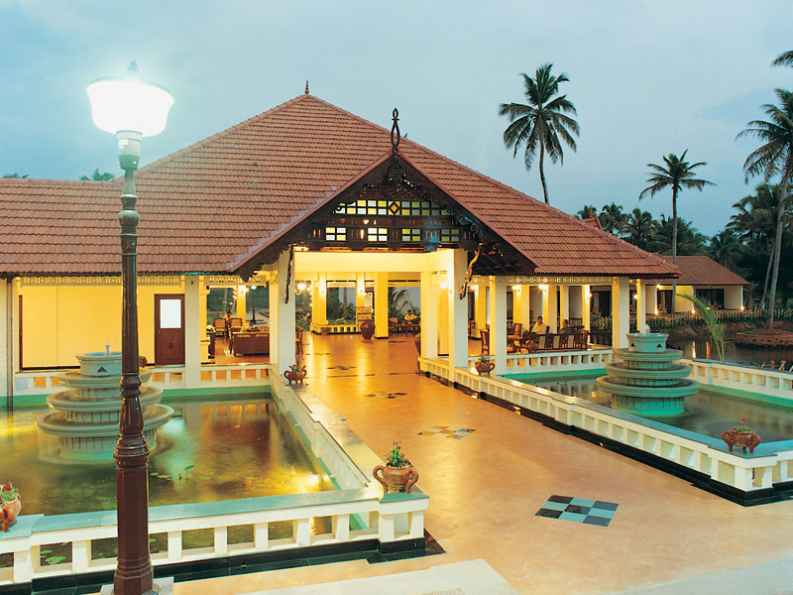 Abad Whispering Palm Resort,Kumarakom